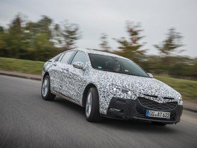 El nuevo Opel Insignia está debajo de todo este camuflaje