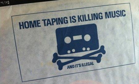Un lobby antidescargas utiliza una canción de un músico sin su permiso para un anuncio antipiratería