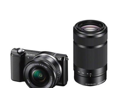 Cámara Sony Alpha 5000, con objetivos 16-50 y 55-210, por 429 euros y envío gratis