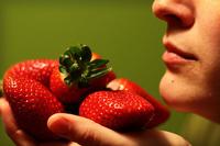 Mascarilla para pieles grasas con fresas y yogur
