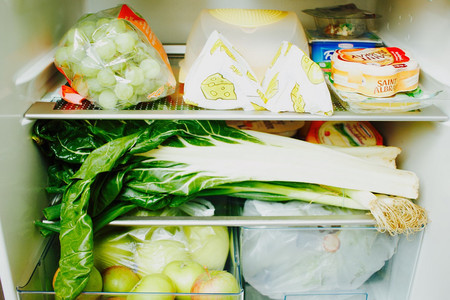 ¿Cuánto tiempo duran los alimentos más básicos en la nevera?