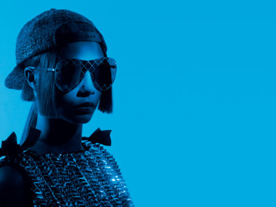 ¡Cara Delevingne es la elegida para presentar las nuevas gafas de Chanel! Karl Lagerfeld la sigue queriendo