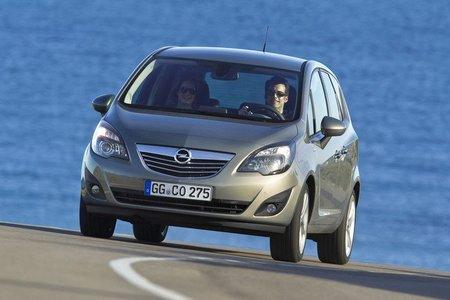 """Opel defiende su garantía """"de por vida"""""""