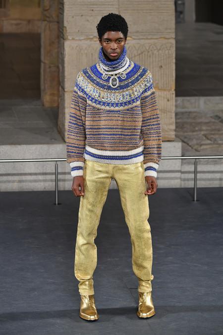 Pharrell Se Convierte En Faraon De La Moda En El Desfile Metiers D Art De Chanel En Nueva York 1