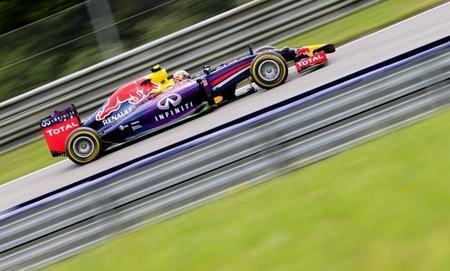 Red Bull tacha de inaceptable el rendimiento de Renault