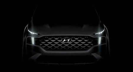 El nuevo Hyundai Santa Fe está al caer, tendrá motores híbridos y así luce su nueva cara