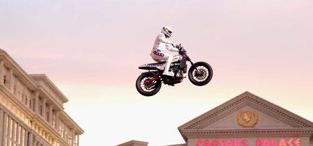 ¡Conseguido! Travis Pastrana ha saltado la fuente del Caesars Palace en moto en memoria de Evel Knievel