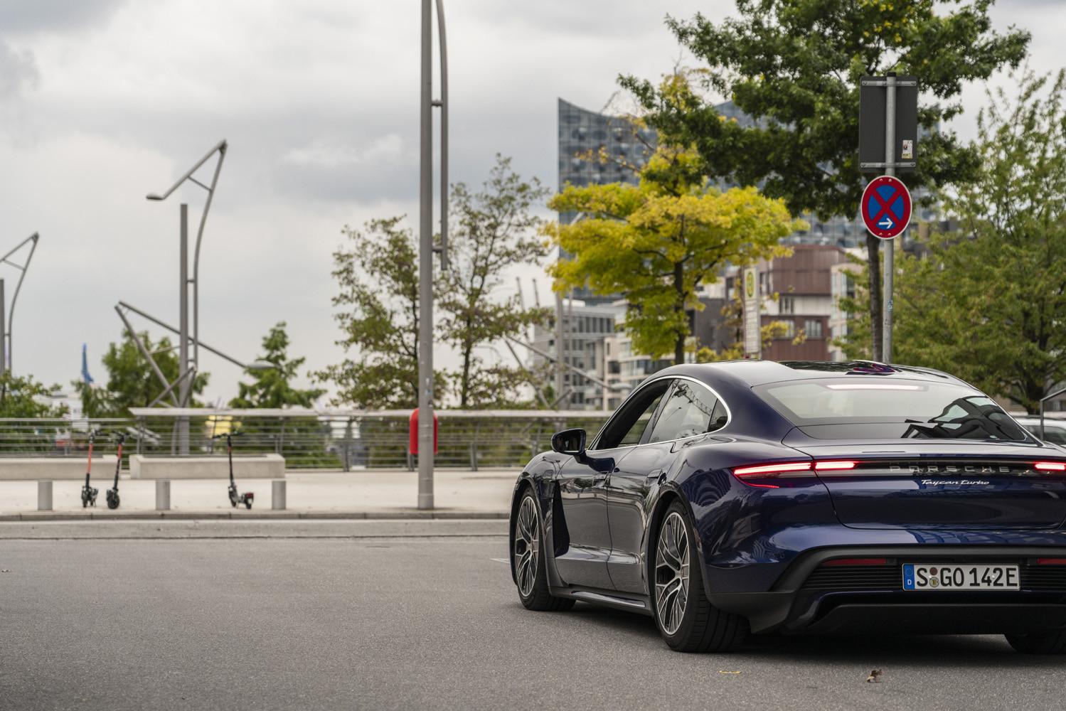 Foto de Porsche Taycan prueba contacto (28/275)