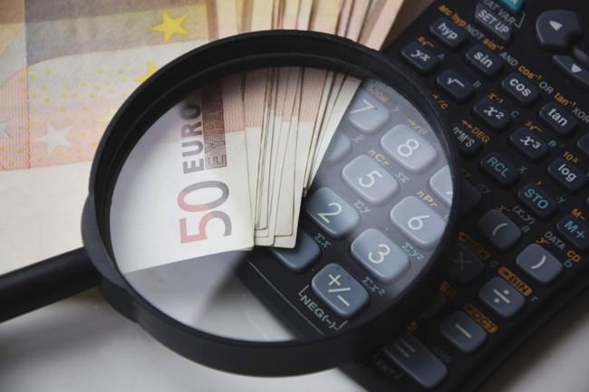 Autónomos que no llegan al SMI, ¿por qué pagan la misma cotización que un notario?