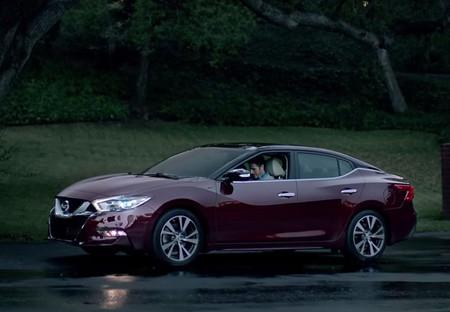 El nuevo Nissan Maxima se asoma en un comercial del Super Bowl