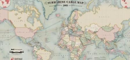 Dos buzos tratan de cortar un cable submarino de Internet en Egipto