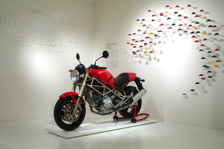 Ducati Monster 25aniversario 02