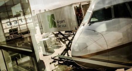 Demandan a un joven por crear una web que ayuda a ahorrar en vuelos por medio de escalas