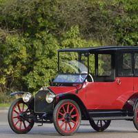 Mitsubishi ha encargado una replica de su primer auto de producción a West Coast Customs para celebrar su centenario