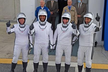 Cómo seguir en directo por internet el despegue histórico de la misión SpaceX Crew-2 hacia la Estación Espacial Internacional