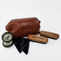 Neceser limpiazapatos de Ted Baker