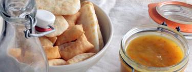 Crema de chirivías con mermelada de tomate y cebolla crujiente: receta saludable