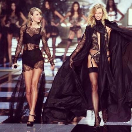 ¡Atención! Se ha hallado un grupo de ángeles desfilando con ropa de Victoria's Secret en pleno Londres, ¿las habéis visto?