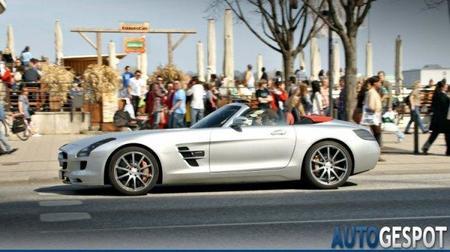 Mercedes-Benz SLS AMG Roadster al descubierto