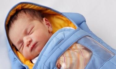 Embrace, la incubadora portátil de bajo coste que ayuda a salvar miles de vidas