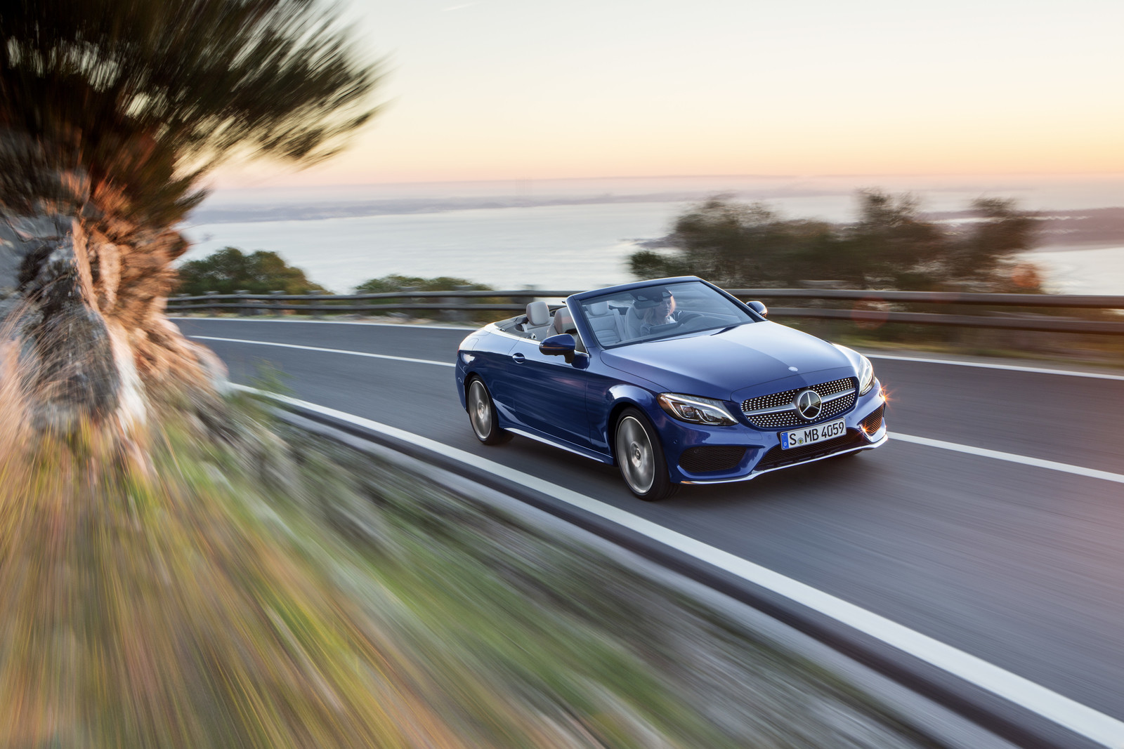Foto de Mercedes-Benz Clase C y C 43 AMG Cabrio (5/28)