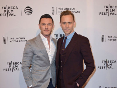 Luke Evans y Tom Hiddleston, duelo de estilo en el Festival de Tribeca