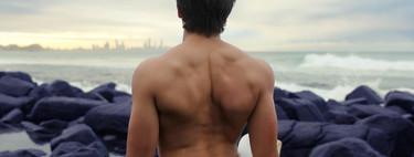 Tres rutinas para trabajar tu espalda en casa y lograr el torso que siempre has deseado