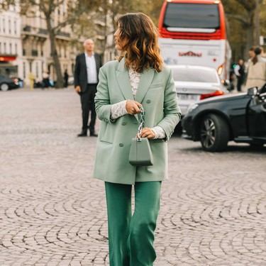 El verde menta vuelve a ser el color estrella del street style esta primavera-verano 2020