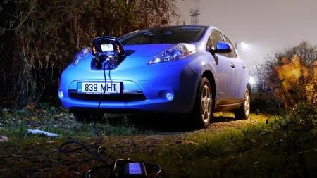 """El efecto """"Holanda"""" golpea al Nissan LEAF en Japón: sus ventas se desploman"""