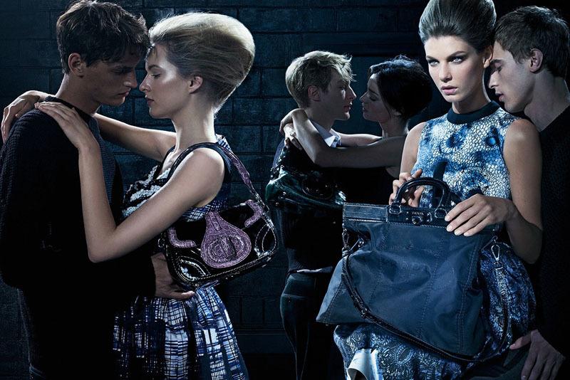 Prada, campaña Otoño-Invierno 2010/2011 con Miranda Kerr y Angela Lindvall