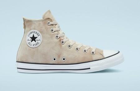 Últimos pares de zapatillas Converse a mitad de precio en las rebajas de la tienda oficial: tallas sueltas desde 19,99 euros con devolución gratuita