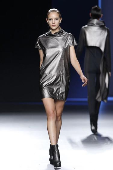 Sara Coleman/ María Barros Otoño-Invierno 2012/2013: una mezcla de futurismo y feminidad sobre la pasarela
