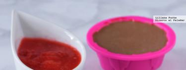 Pannacotta de chocolate al haba tonka con salsa rápida de fresas. Receta de postre sin horno