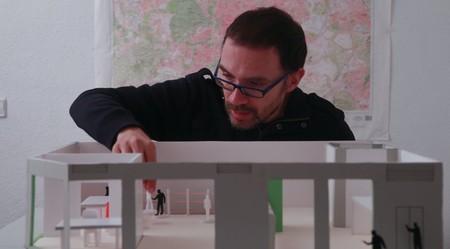 """""""Antes de 'Apuntes para una película de atracos' yo era un gafapasta, un intelectual"""". León Siminiani, director"""