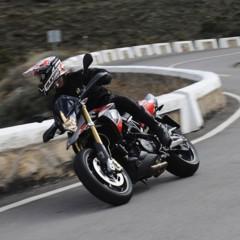 Foto 44 de 103 de la galería aprilia-dorsoduro-1200-mega-galeria-de-fotos-oficiales en Motorpasion Moto