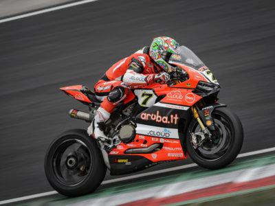 El dominio de Chaz Davies en Imola y la segunda juventud de Valentino Rossi