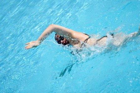 Respiración bilateral al nadar a crol