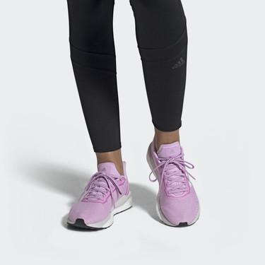 Adidas y Reebok tienen en rebajas las zapatillas de colores perfectas para triunfar en el street-style