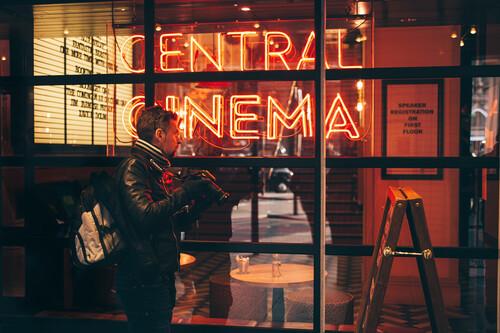 La regla del F8 en fotografía documental, de calle o viajes: qué es y cómo sacarle provecho