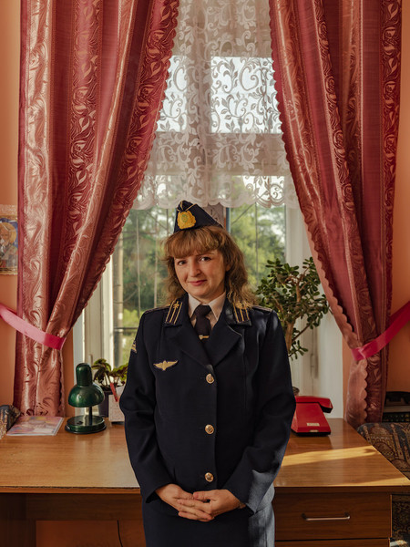 Ukrainian Railroad Ladies, de Sasha Maslov