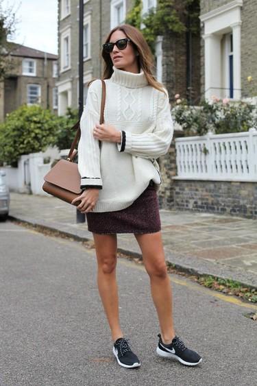 Las zapatillas con looks de vestir se han impuesto como el look más cómodo y cool de la temporada