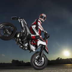 Foto 12 de 19 de la galería nicky-hayden-con-la-ducati-hypermotard en Motorpasion Moto