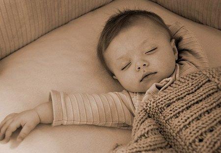 Déjate de métodos para que el bebé duerma