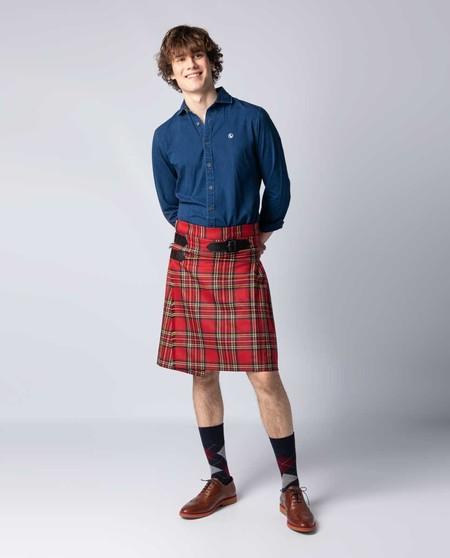 La prenda más cómoda (y fresca) que no pensabas llevar este el verano: el kilt escocés de El Ganso