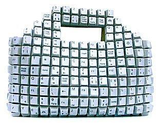Bolso hecho de teclas