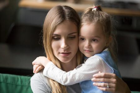 La depresión postparto podría aparecer por primera vez años después del nacimiento de los hijos