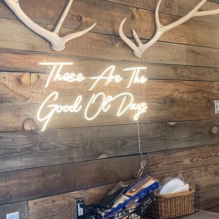 Un cartel de neón: la forma más original de decorar y personalizar nuestra casa que cuesta menos de lo que crees