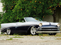 1956 Chevy Bel Air Roadster, tocado por la mano de Chip Foose