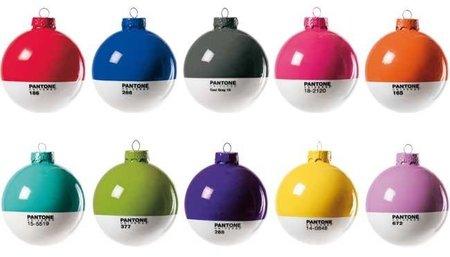 Bolas Pantone para el árbol de Navidad