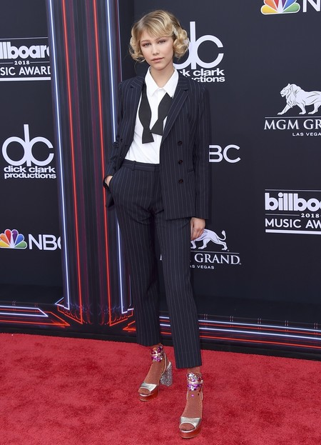 Alfombra Roja Billboard Music Awards 2018 Grace Vanderwaal Hugo Boss